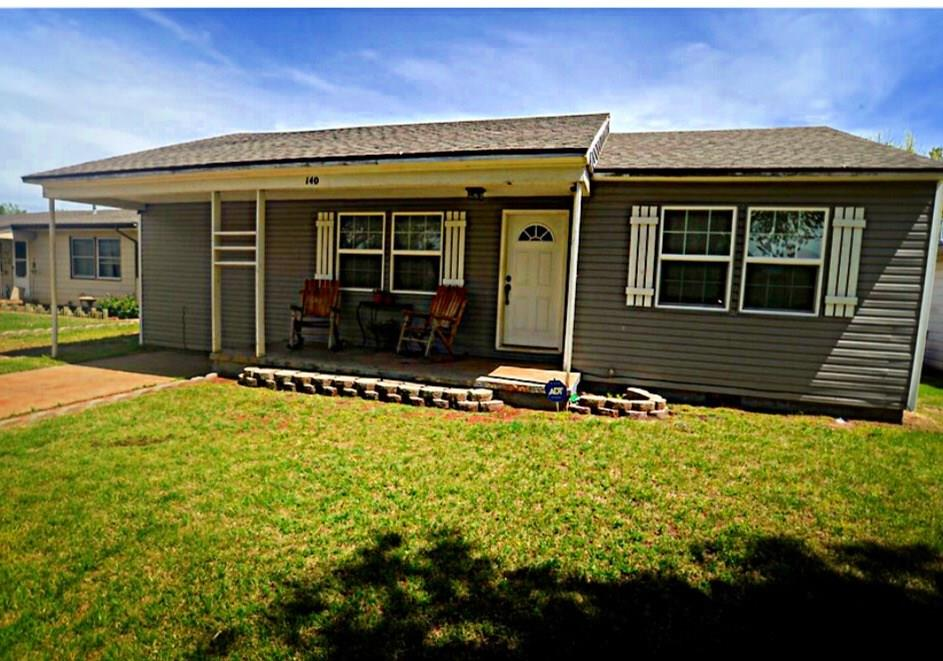 140 Herring Drive, Elk City, OK 73644