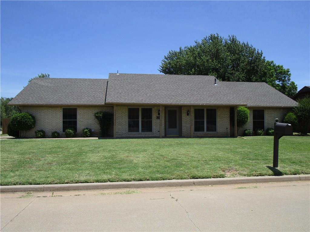 908 Cambridge, Altus, OK 73521