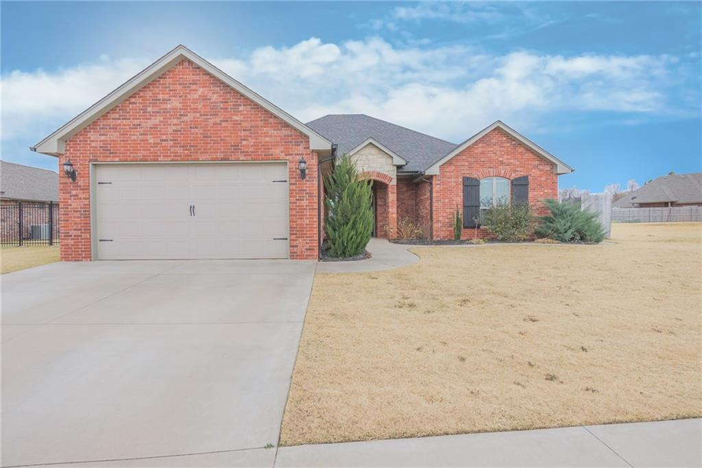 712 Cornerstone Avenue, Weatherford, OK 73096