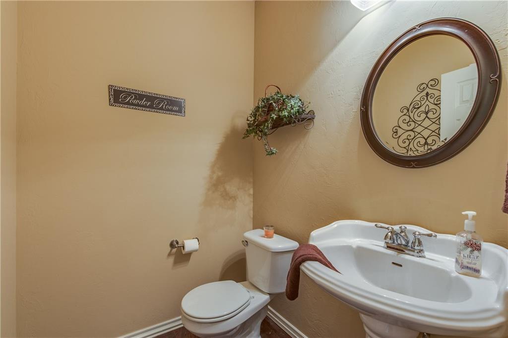 Bathroom Sinks Edmond Ok 1798 cross creek road edmond oklahoma ok 73012   3 bed rooms   2