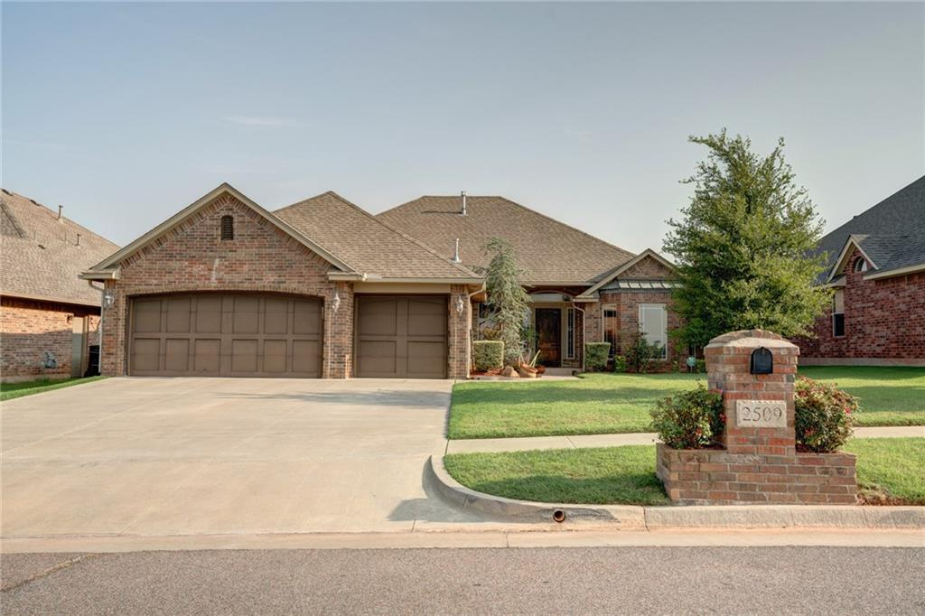 2509 SE 12th, Moore, OK 73160