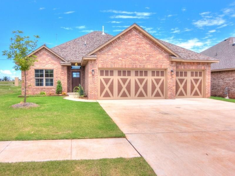 1913 NE 27th Terrace, Moore, OK 73160