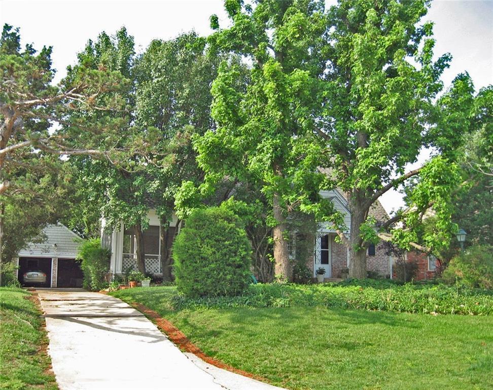 1204 Tedford Way, Nichols Hills, OK 73116