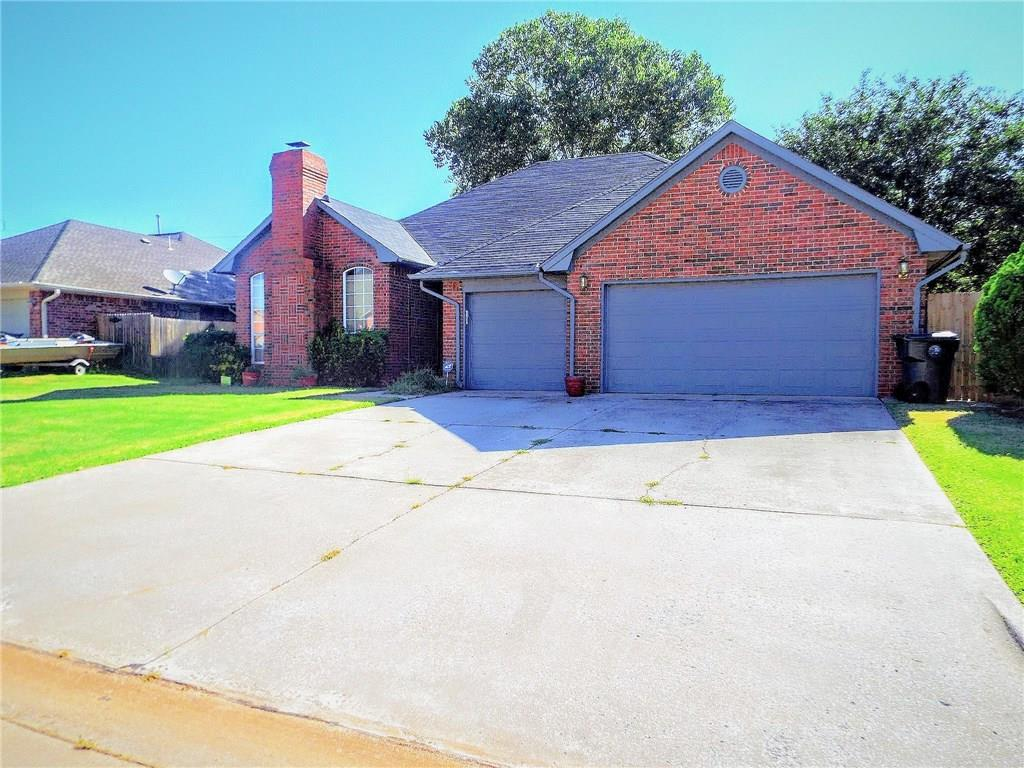 677 Crescent Circle, Midwest City, OK 73110