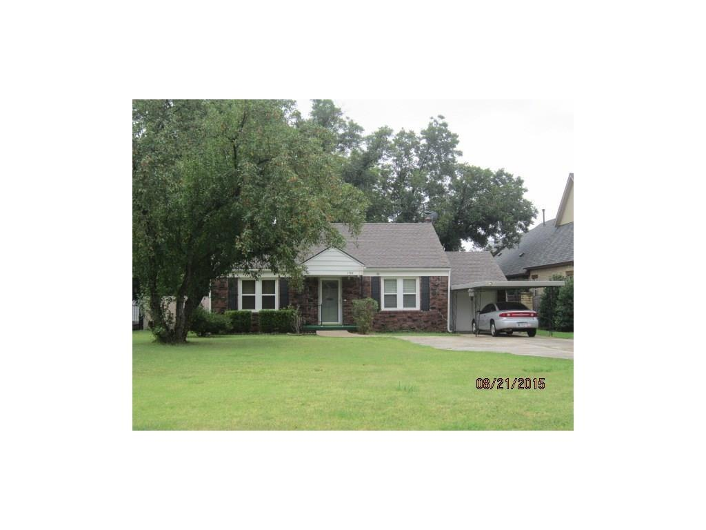 1704 Windsor Place, Nichols Hills, OK 73116