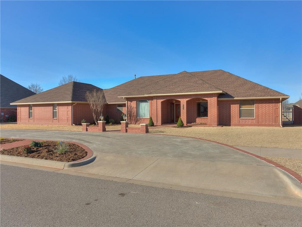 1315 Snow Lane, Weatherford, OK 73096