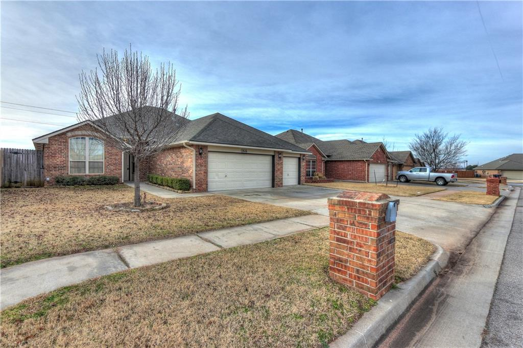 2616 SE 97th, Moore, OK 73160