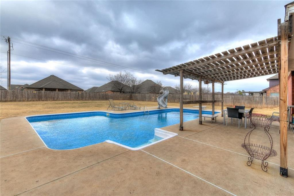 4109 Hidden Lake Circle, Moore, OK 73160