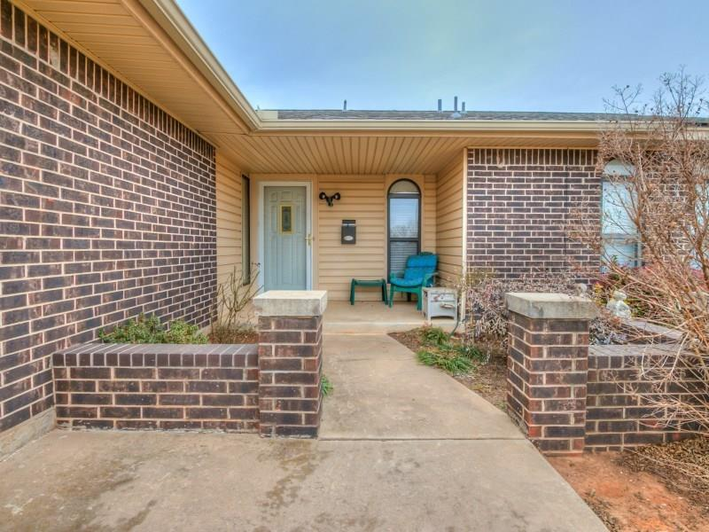 541 S Silver Drive, Mustang, OK 73064