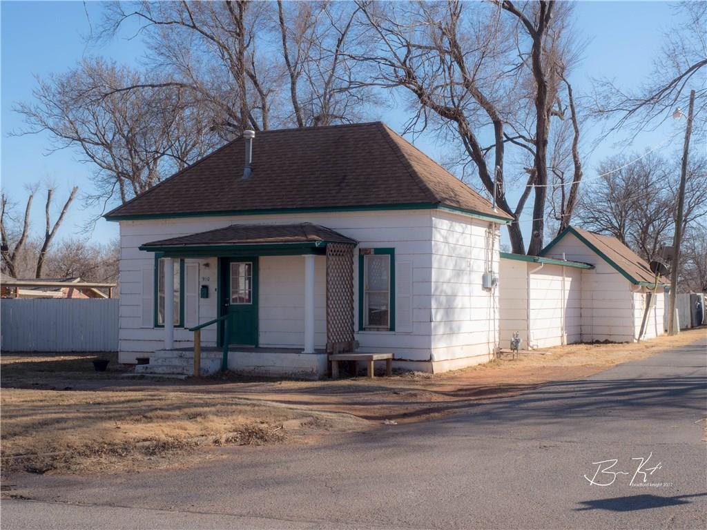 910 W 5th, Elk City, OK 73644