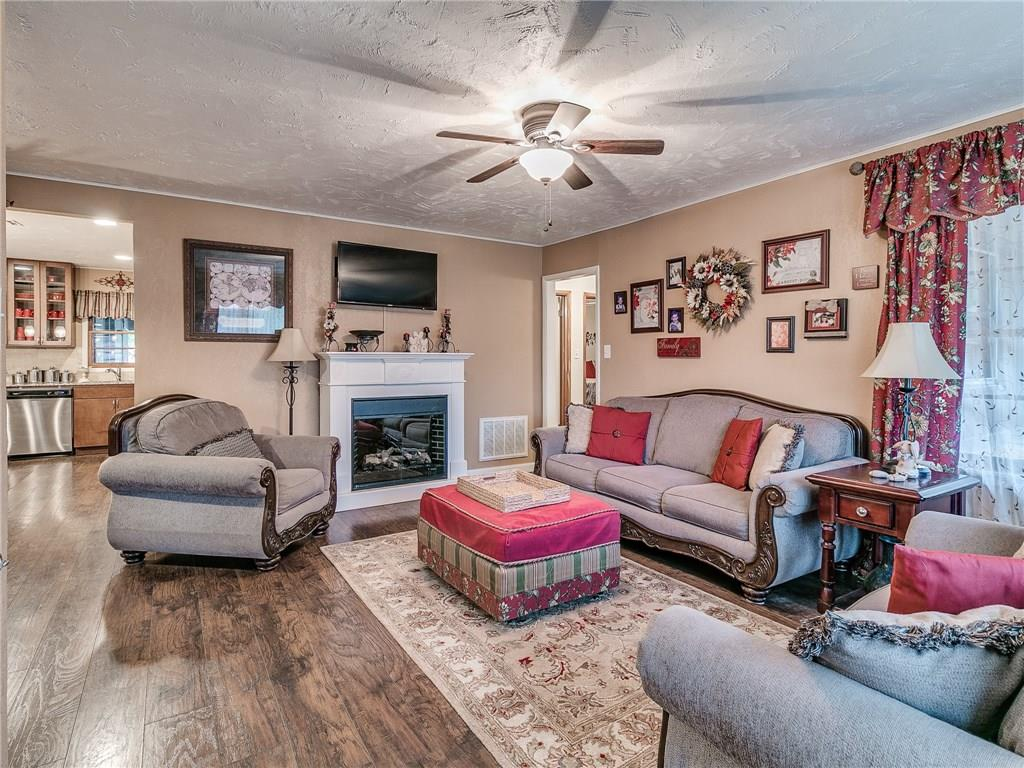 2204 Maple Drive, Midwest City, OK 73110